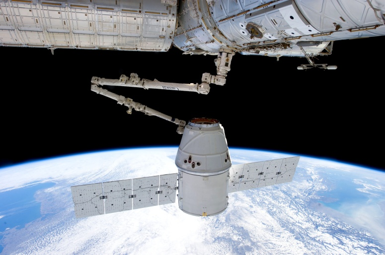 SpaceX - Dragon and ISS